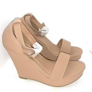 Gorgeous tan wedges